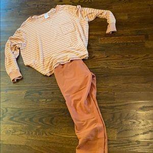 Lounge shirt and leggings